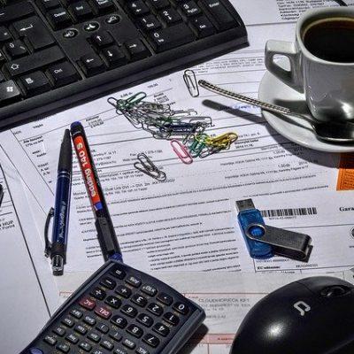 こんな職種におススメ。レンタルオフィス、シェアオフィス、コワーキングは、主に弁護士、司法書士、行政書士、社会福祉労務士、IT関連会社、デザイナー、プログラマー、ネットショップ運営等の少人数のオフィスで作業が可能という職種に向きます。